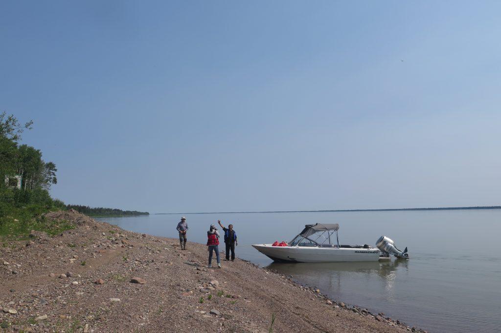 Mackenzie River, Deh Co